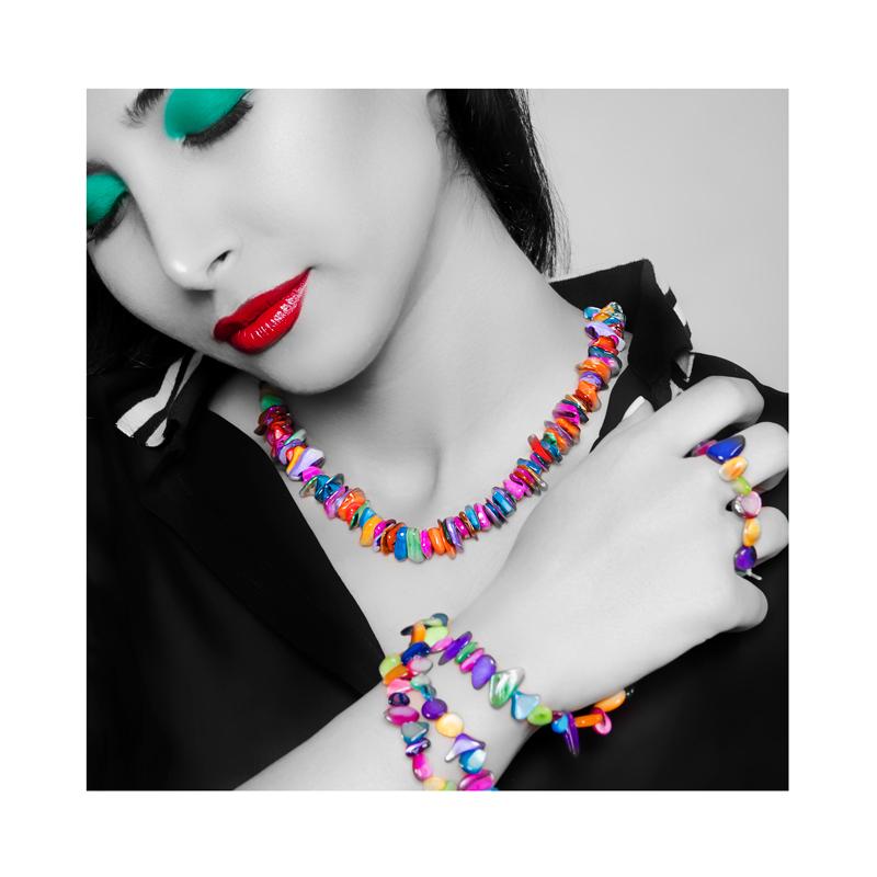 گردنبند دستساز رنگی، صنایع دستساز آفریقا